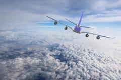 Nivå i viten för svart för bakgrund för flygplan för transport för himmelflyglopp Arkivfoto