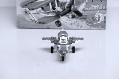 Nivå som byggs från Lego tegelstenar och dess främre sikt för ask Royaltyfri Foto