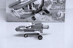 Nivå som byggs från Lego tegelstenar och dess främre sikt för ask Royaltyfria Foton