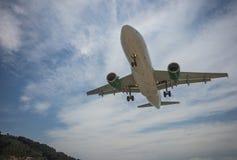 Nivå som in kommer att landa, Skiathos, Grekland royaltyfri foto