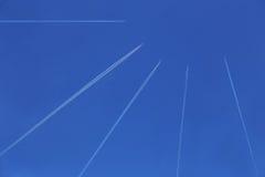 Nivåer i den blåa himlen Royaltyfria Foton