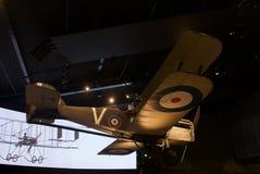 Nivåer WW1 och WW2 i museum för krigminnesmärke royaltyfria foton