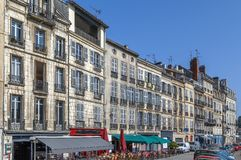Nive flodinvallning i Bayonne, Frankrike arkivfoto