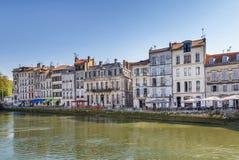 Nive flodinvallning i Bayonne, Frankrike arkivbilder