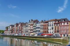Nive flodinvallning i Bayonne, Frankrike fotografering för bildbyråer
