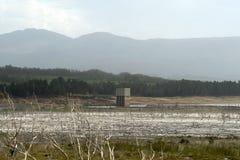 Niveaux de basse mer dans le barrage de Theewaterskloof, le Cap-Occidental photographie stock
