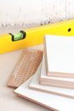 Nivel del azulejo y de la herramienta Imágenes de archivo libres de regalías