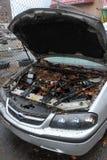 Nivel y escombros del agua en los coches Imagen de archivo