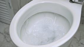 Nivelamento abaixo do toalete