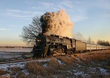 Nivelando o trem Fotos de Stock Royalty Free