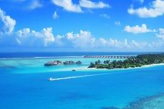 Niyama - leken som förbi malas PER —Noonu för AQUUM NIYAMA atoll MALDIVERNA royaltyfri foto