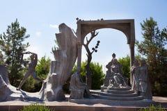 Nizami诗,陵墓雕塑在Gyanja 库存照片