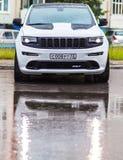 Nizhnevartovsk, Rússia - Jule 1, 2017: Jeep Grand Cherokee SRT fotos de stock royalty free