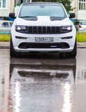 Nizhnevartovsk, Rusland - Jule 1, 2017: Jeep Grand Cherokee SRT royalty-vrije stock foto's