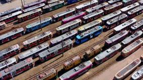 Nizhniy Novgorod, Ρωσία 17 Απριλίου 2019: depo τραμ με πολλά παλαιά τραμ απόθεμα βίντεο