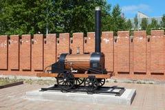 NIZHNIY TAGIL, RUSLAND - JUNI 1, 2016: Foto van Model van de eerste stoommotor Cherepanov Het museum van Uralvagonzavod Stock Fotografie
