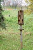Nizhny Novgorod俄国 - 10月13日 2016年 在一根棍子的一个木对象在亚历山大公园 免版税图库摄影