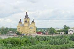 Nizhny Novgorod俄国 - 6月27日 2017年 亚历山大・涅夫斯基大教堂  图库摄影
