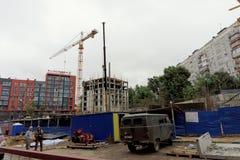 Nizhny Novgorod俄国 - 9月06日 2017年 住宅复杂议院的建筑被找出的自由的 免版税库存图片