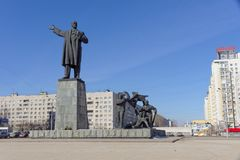 Nizhny Novgorod俄国 - 3月14日 2017年 对弗拉基米尔・伊里奇・列宁的纪念碑列宁广场的 免版税库存图片