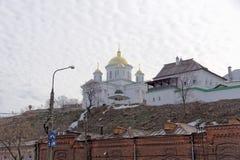 nizhny novgorod Ρωσία - 24 Μαρτίου 2017 Το Annunciation μοναστήρι σε Nizhny Novgorod Μια άποψη της εκκλησίας Alekseevskaya από το Στοκ εικόνα με δικαίωμα ελεύθερης χρήσης