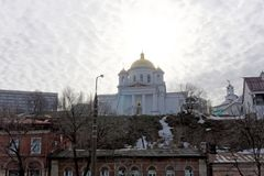 nizhny novgorod Ρωσία - 24 Μαρτίου 2017 Το Annunciation μοναστήρι σε Nizhny Novgorod Μια άποψη της εκκλησίας Alekseevskaya από το Στοκ φωτογραφία με δικαίωμα ελεύθερης χρήσης