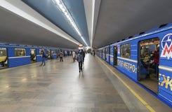 Nizhny Novgorod, РОССИЯ - 02 11 2015 Поезд на Стоковое Фото