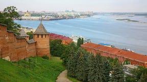 Nizhny Novgorod het Kremlin in de herfstochtend royalty-vrije stock afbeelding