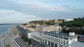 Nizhny Novgorod: nuevos terraplén y naves en el Volga almacen de metraje de vídeo