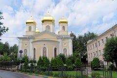 Nizhny Novgorod russia - Juli 14 2016 Kyrkliga heliga Hierarchs av den heliga Treenighet för MoskvaNizhny Novgorod metochion Arkivbild