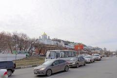 Nizhny Novgorod, Russia - 24 marzo 2017 Congresso dal ponte di Kanavinsky dall'alta banca del Oka Sughero di mattina nella d Fotografia Stock