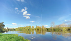 Nizhny Novgorod russia - Oktober 12 2016 Sikt av Sormovo sjön Fotografering för Bildbyråer