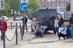 Nizhny Novgorod, Russia. - September 30.2016. Correspondents Volga regional TV make TV report on the assessment of the road servic Stock Image