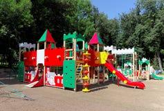 nizhny novgorod Russia - Sierpień 01 2016 Dziecka boiska gemowy kompleks w Kulibina parku Obrazy Royalty Free