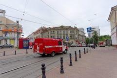 Nizhny Novgorod, Russie - 15 juin 2016 Beaucoup de voitures du ministère des situations d'urgence sont arrivées à l'appel Photographie stock