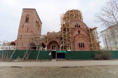 Nizhny Novgorod, Russland - 10. April 2016 Bau der Kirche zu Ehren St.-Seraphs von Sarov Stockbild