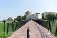 Nizhny Novgorod, Russland - 28. Juli 2016 Steg von der Straße Zalomova nach die Ufergegend Fedorovsky Stockbilder