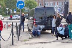 Nizhny Novgorod, Russland - 30. September 2016 Korrespondenten Volga regionales Fernsehen machen Fernsehbericht auf der Einschätz Stockfoto