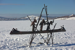 NIZHNY TAGIL, SWERDLOWSK-REGION, RUSSLAND - 16. FEBRUAR 2016: Foto von Skulptur-Pionieren auf dem Chusovaya Stockbild