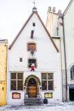Noël à Tallinn vieille maison dans la décoration de Noël Image libre de droits