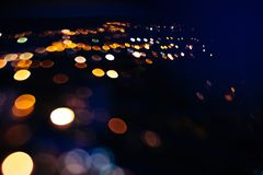 Noël bleu de mery de bokeh de guirlande de jouet de Noël Images libres de droits