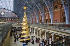 Noël dans la gare Londres, R-U de Saint-Pancras Photographie stock libre de droits