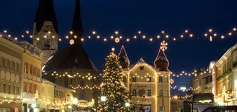 Noël dans le village photographie stock libre de droits
