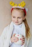 Noël de attente avec du charme de petite fille Photos libres de droits