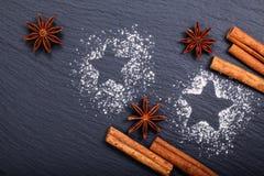 Noël de fond et cannelle de concept de nouvelle année et anis d'étoile Image stock