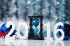 Noël de photo de concept Joyeux avec le grand chiffre blanc Image stock