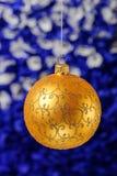 Noël et la nouvelle année joue des décorations sur le fond vibrant de scintillement photographie stock libre de droits