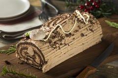 Noël fait maison Yule Log de chocolat photo stock