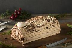 Noël fait maison Yule Log de chocolat photos libres de droits