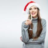 Noël a isolé le verre de vin de prise de portrait de femme Photos libres de droits